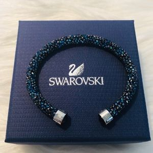🆕Swarovski Cuff🆕 Size Medium
